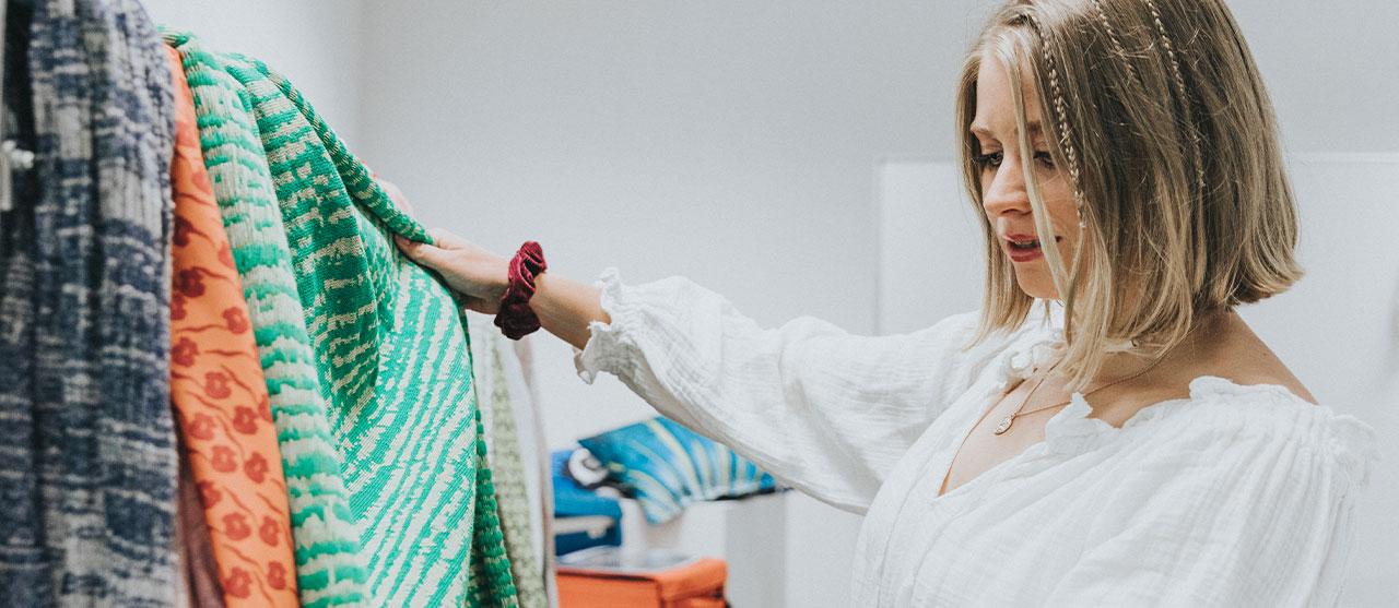 Foto Bachelor in de textieltechnologie